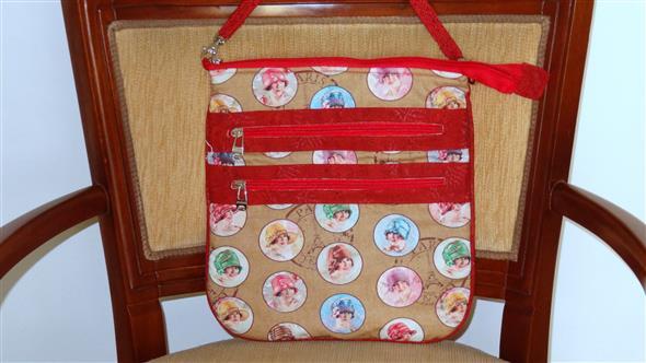 Bolsinha de tecido artesanal 010