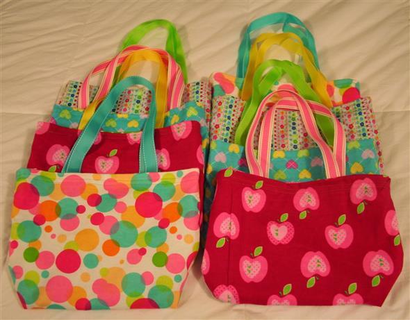 Bolsinha de tecido artesanal 012