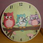 Relógio artesanal criativo 011