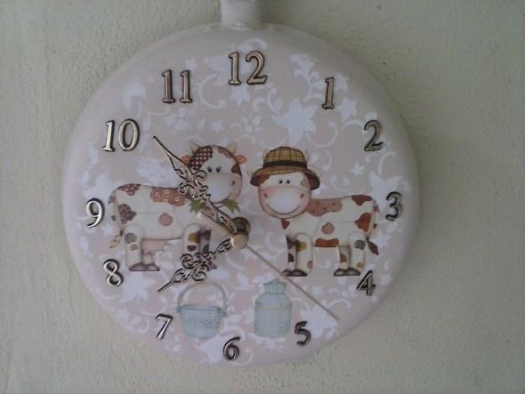 Relógio artesanal criativo 012