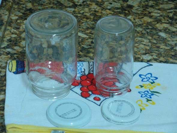 retirar rótulos de garrafas e potes de vidro 005