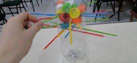 Faça brinquedos de material reciclado com seus filhos