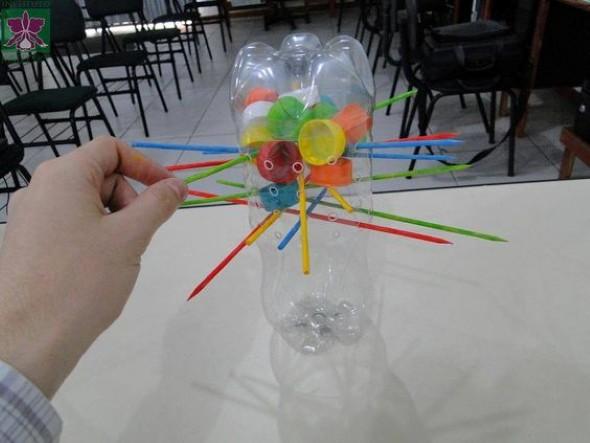 brinquedos-de-material-reciclado-003