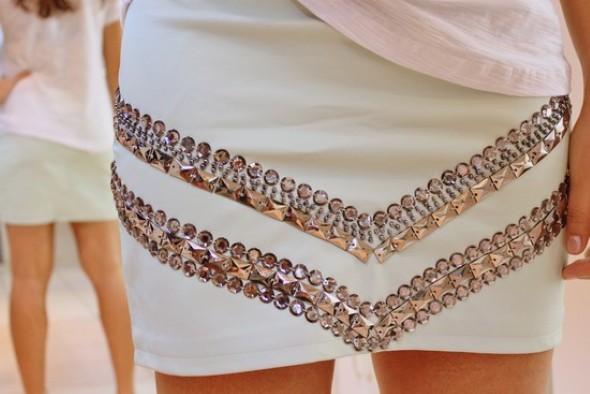como-customizar-roupas-com-pedrarias-007