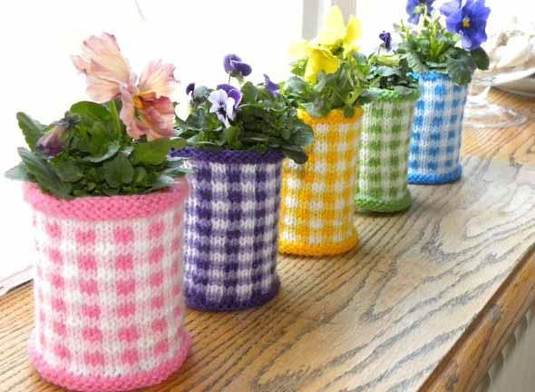 Como transformar latas em vasos com artesanato