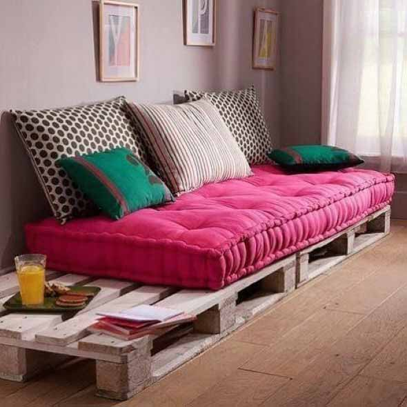 Diy como fazer um sof de paletes em casa - Cojines grandes para sofa ...