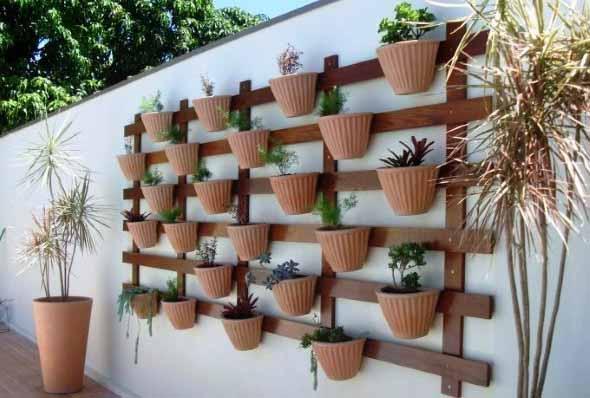 jardim vertical artesanal : DIY - Como montar um jardim vertical no quintal