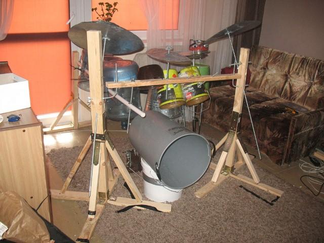 Instrumentos musicais de material reciclado 08