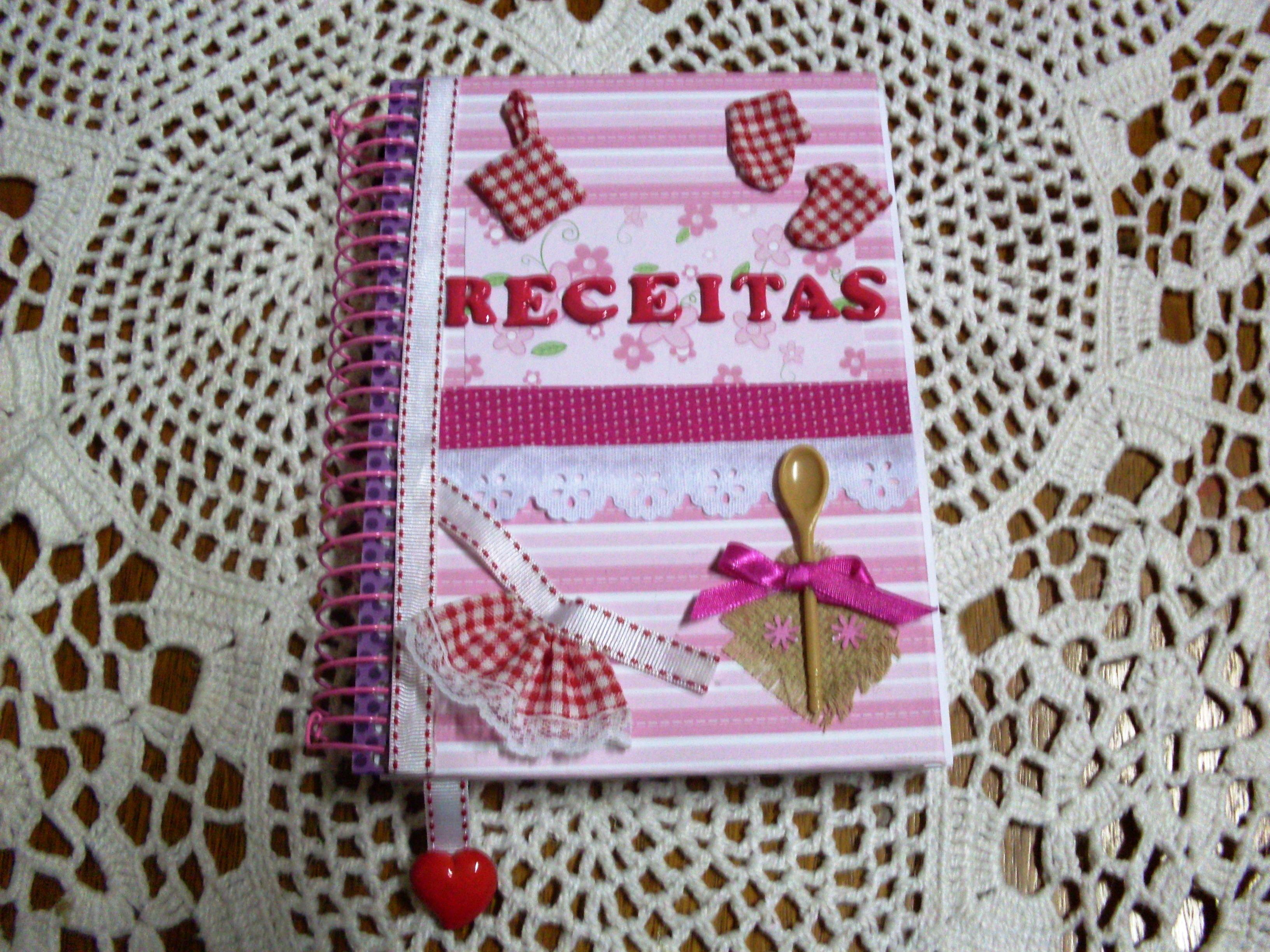 Como customizar cadernos de forma criativa 07