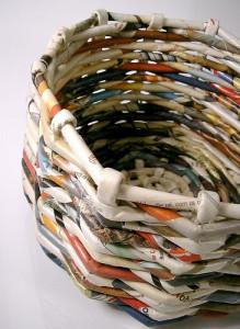 Como fazer cesto de jornal 01