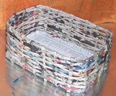 Como fazer cesto de jornal 05