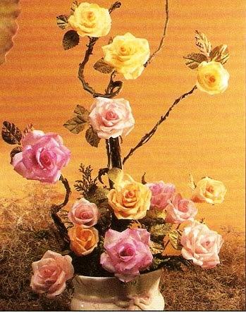 Como fazer flores de papel crepom 09