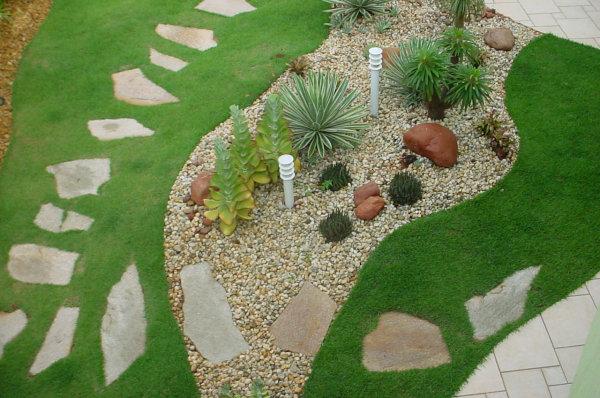 Jardins decorados com pedras 05