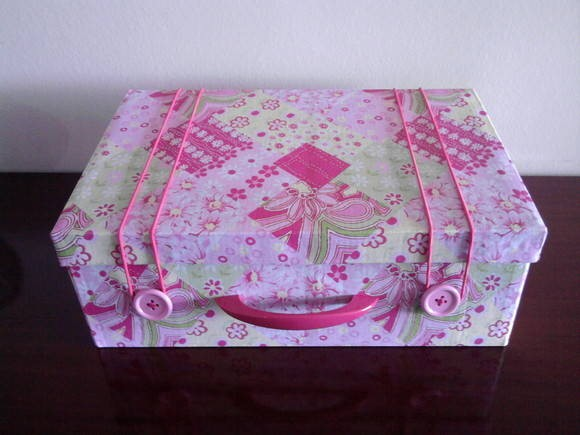 Artesanato com caixa de papelão 004