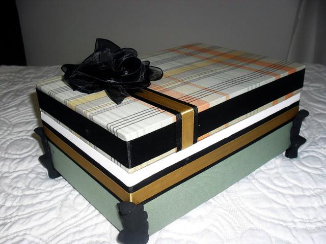 Caixa de presente forrada com tecido 08