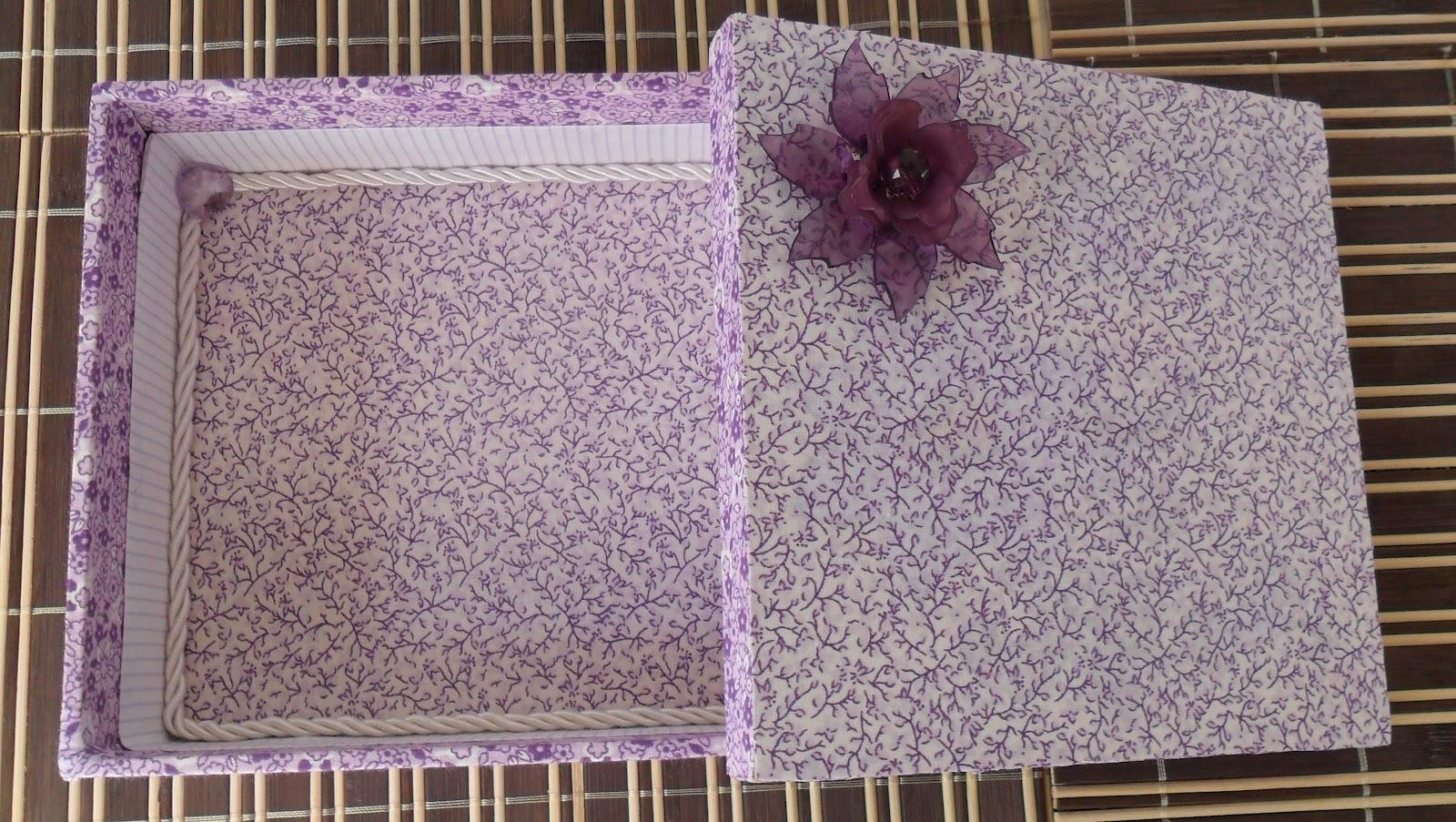 Caixa de presente forrada com tecido 09