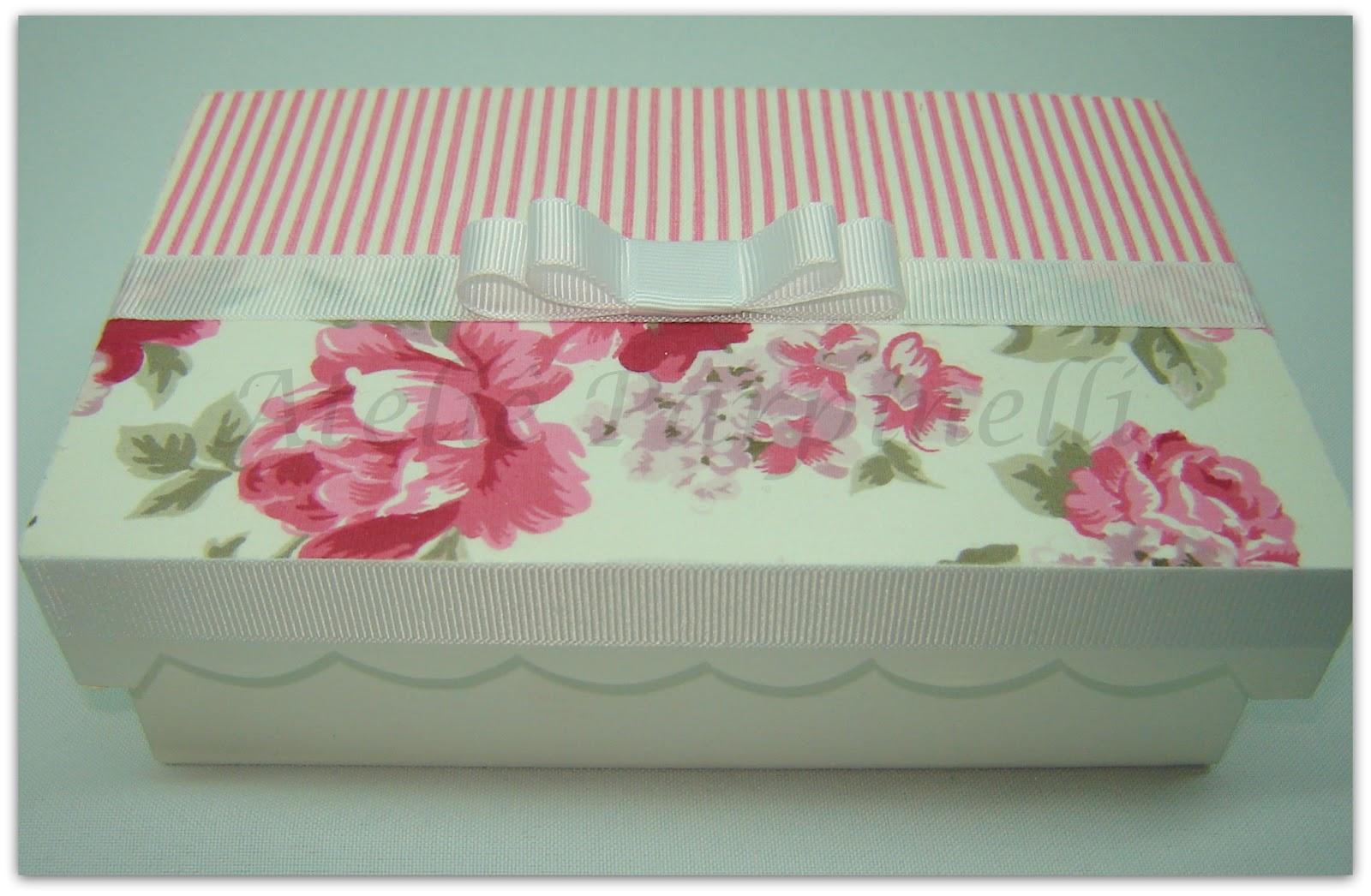Caixa de presente forrada com tecido 11