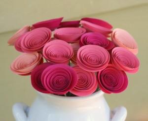 Como fazer flor de papel para decoração 01