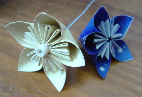 Como fazer flor de papel para decoração 04