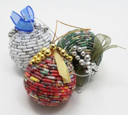 Enfeites de natal de material reciclado 012