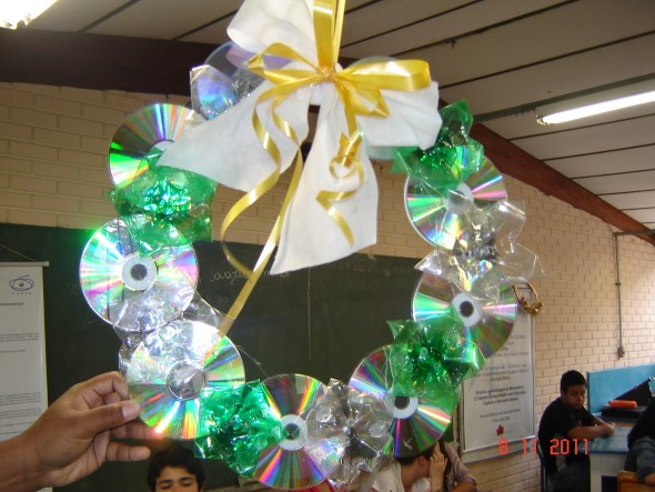 Enfeites de natal de material reciclado 03