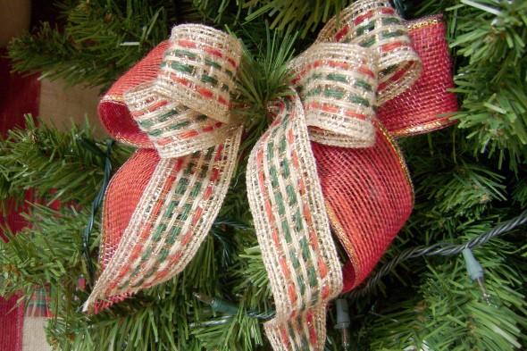 Laços de fita decorativos para o Natal 004