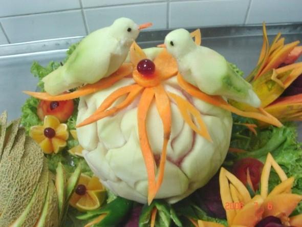 Esculturas em frutas para enfeitar sua mesa de natal 003