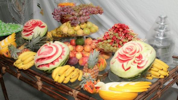 Esculturas em frutas para enfeitar sua mesa de natal 006