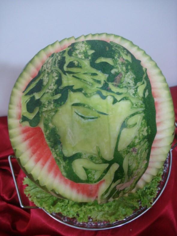 Esculturas em frutas para enfeitar sua mesa de natal 010