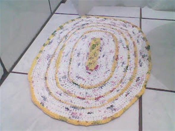 Saiba como fazer tapete de sacola plástica 004