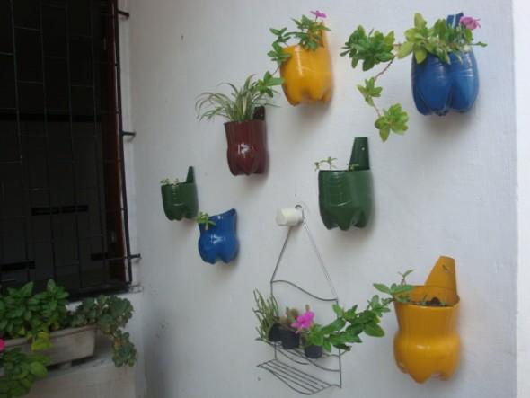 Horta feita com garrafas PET 011