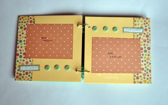 Álbum de fotos do bebê em Scrapbook 009