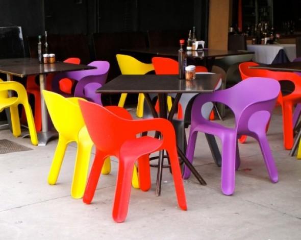 Personalizar cadeiras de plástico antigas 005