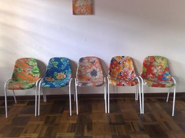 Personalizar cadeiras de plástico antigas 006