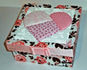 Caixas em MDF decoradas para o Dia das Mães 001
