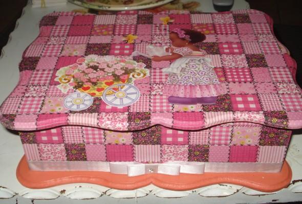 Caixas em MDF decoradas para o Dia das Mães 002