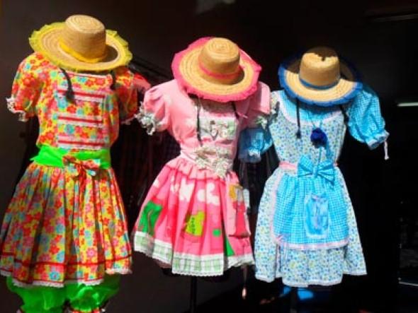 Customizar roupa para as Festas Juninas 008