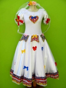 Customizar roupa para as Festas Juninas 009