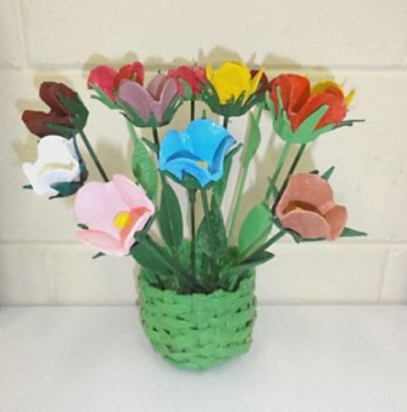 Flores de caixa de ovos 006