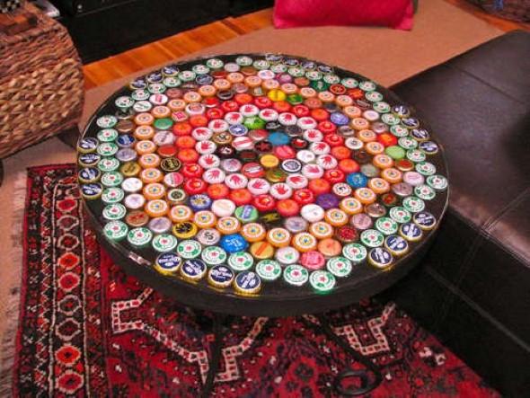 Objetos artesanais de tampinha de garrafa 009