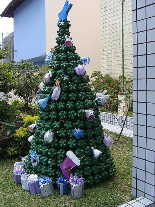 Árvore de Natal de material reciclado 014
