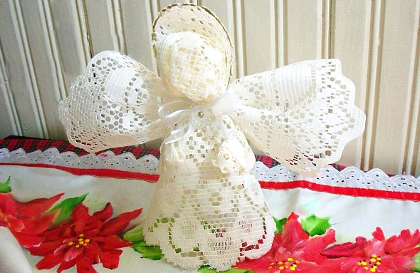Como fazer anjinhos natalinos 012