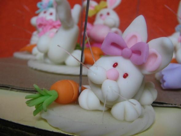 Coelhinhos da páscoa em biscuit 003