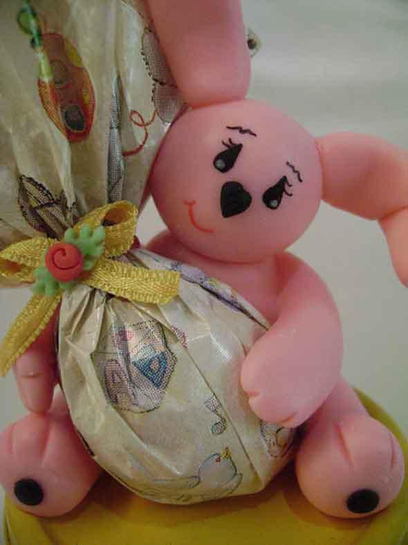 Coelhinhos da páscoa em biscuit 008