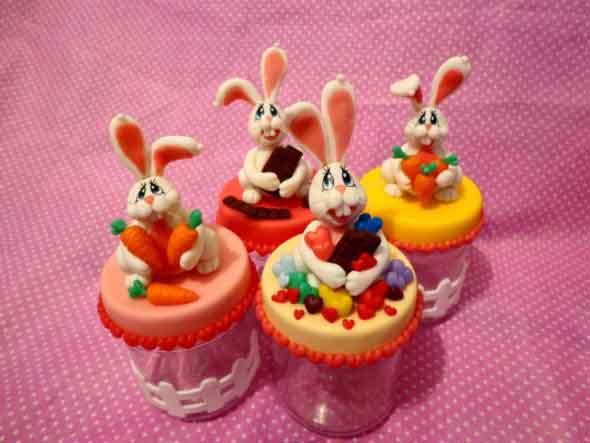 Coelhinhos da páscoa em biscuit 011