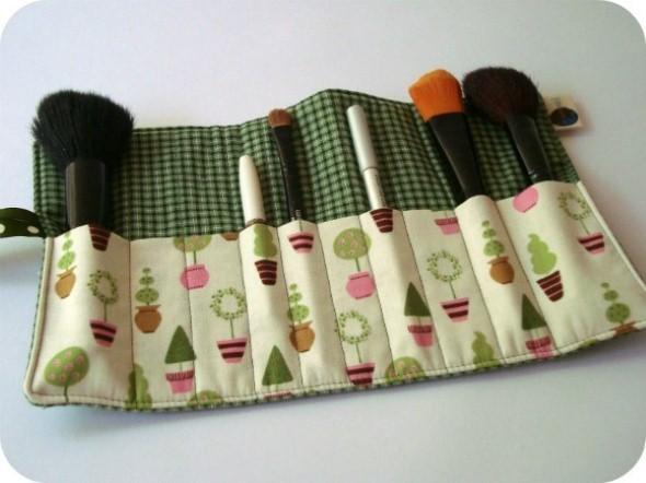 Como fazer bolsinha porta lápis em tecido 004