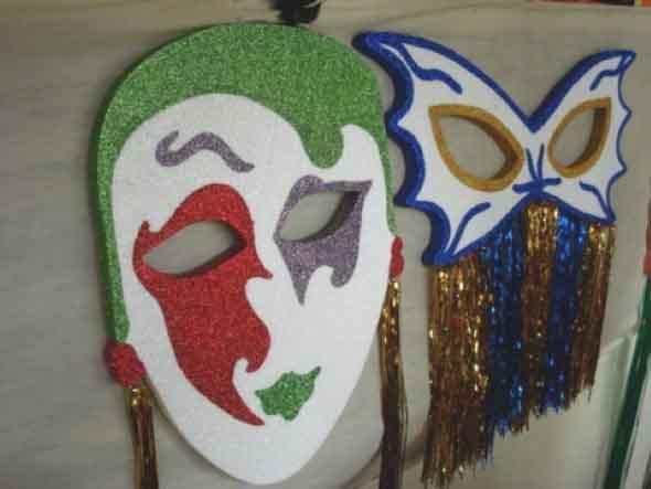 Enfeites artesanais para o Carnaval 001