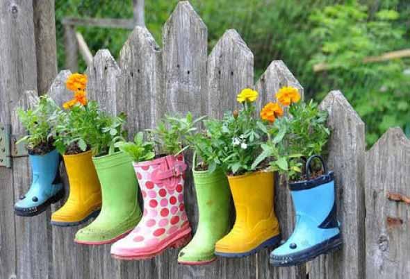 Reciclagem criativa para enfeitar o jardim  001