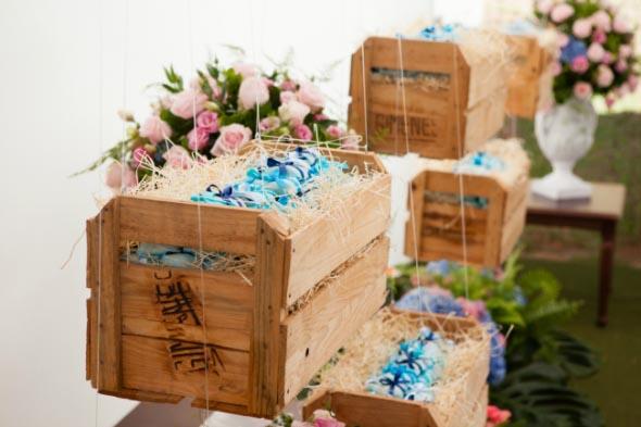 Caixotes de feira no jardim 011