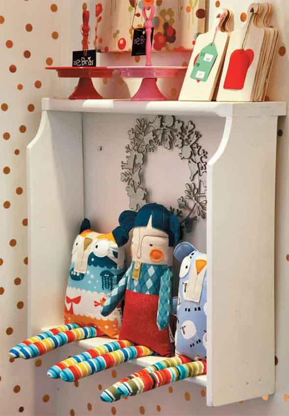 armário com gavetas antigas 009